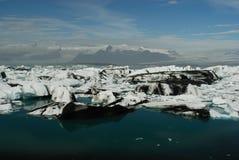 Sjö av Jokulsarlon, söder av Island Arkivfoton