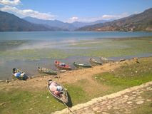 Sjö av Pokhara Royaltyfri Bild