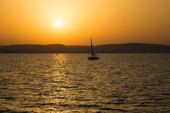 Sjö Balaton med en mycket trevlig solnedgång på sommar Royaltyfri Fotografi
