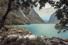 Sjö Bondhusvatnet, Folgefonna nationalpark, Norge Arkivbilder