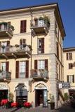 SJÖ COMO, ITALY/EUROPE - OKTOBER 29: Gataplats i Lecco Ita royaltyfri bild