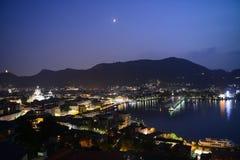 Sjö Como på natten arkivfoto