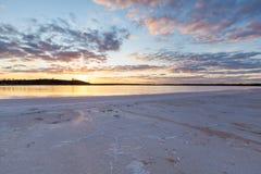 Sjö Crossbie på solnedgången, Murray Sunset National Park royaltyfria bilder