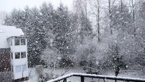 Sjö-effekt för tungt snöfall snö arkivfilmer