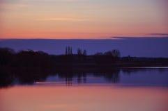 Sjö efter solnedgång, Ukraina Fotografering för Bildbyråer