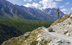 Sjö för bergAltai berg Royaltyfria Bilder