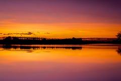 Sjö för soluppgång fotografering för bildbyråer