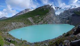 Sjö & glaciär Huemul i Patagonia Royaltyfria Bilder