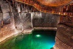 Sjö i den salta minen av Wieliczka, Polen royaltyfri bild