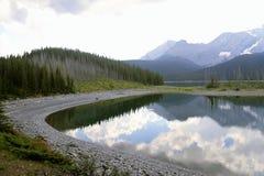 Sjö i det Kananaskis landet - Alberta - Kanada Arkivbild