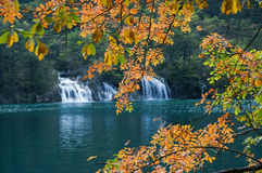 Sjö i Jiuzhaigou, Sichuan, Kina royaltyfria foton