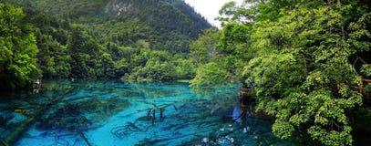 Sjö i jiuzhaigounationalparken, Sichuan, porslin fotografering för bildbyråer