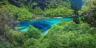 Sjö i jiuzhaigounationalparken, Sichuan, porslin arkivfoton