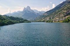 Sjö i Pirineos berg, Spanien arkivfoto