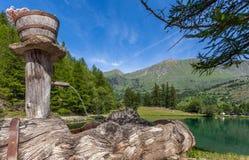 Sjö Laux i Piedmont, Italien Arkivbild
