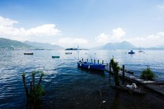 Sjö Maggiore, italiensk sjö royaltyfri fotografi