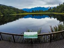 Sjö Matheson, västkusten, Nya Zeeland royaltyfri bild