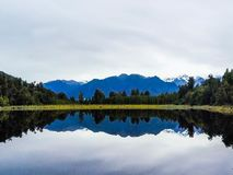 Sjö Matheson, västkusten, Nya Zeeland arkivfoto