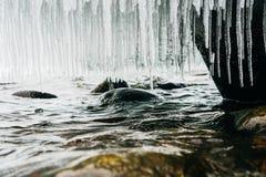 Sjö med stenar Royaltyfri Fotografi