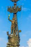 Sjö- monument till Peter det stort i vinter Arkivbilder