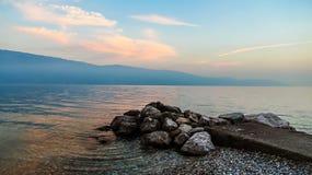 Sjö- och berglandskap Fotografering för Bildbyråer