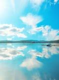 Sjö och himmel Fotografering för Bildbyråer