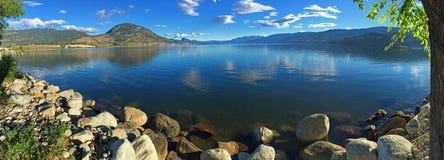 Sjö Okanagan från Penticton, British Columbia arkivfoton