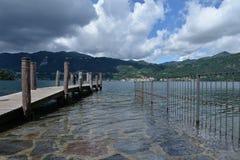 Sjö Orta, Italien Nordliga italienska lakes Arkivbilder