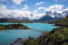 Sjö Pehoe - chilensk Patagonia Royaltyfria Bilder