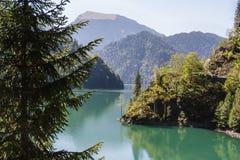 sjö Riza Abchazien Arkivbild