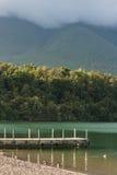 Sjö Rotoiti i Nelson Lakes National Park arkivbilder