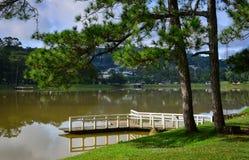 Sjö Xuan Huong i den Dalat staden, Vietnam Royaltyfri Foto