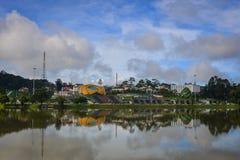 Sjö Xuan Huong i den Dalat staden, Vietnam Fotografering för Bildbyråer