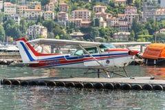 Sjöflygplan Cessna 172N Skyhawk 100 II Arkivbild