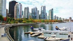 Sjöflygplan i kolhamnen, i stadens centrum Vancouver, British Columbia, Kanada Fotografering för Bildbyråer