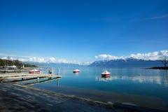 SjöGenève på Ouchy av Lausanne Fotografering för Bildbyråer