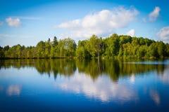 Sjön i Karelia Fotografering för Bildbyråer