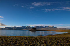 Sjön i Tibet Royaltyfri Bild