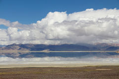 Sjön i Tibet Royaltyfria Bilder