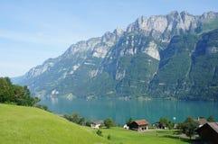 Sjön Walensee i Schweiz Arkivfoton