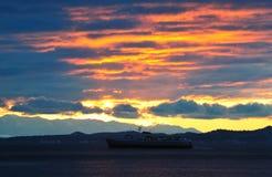 sjösidasolnedgång royaltyfri foto