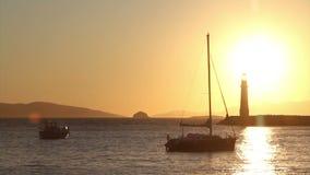 Sjösidastad av Turgutreis och spektakulära solnedgångar arkivfilmer