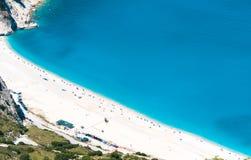 Sjösidastrand med vit sand Royaltyfri Foto