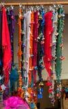 Sjaal van de Turksih de traditionele vrouw met borduurwerk royalty-vrije stock foto's