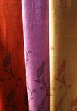 Sjaals bij bazaar, Istanboel stock fotografie