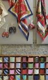 Sjaals en banden op verkoop, Bellagio, Meer Como Stock Foto's