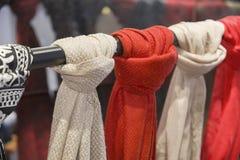 Sjaals in verkoop royalty-vrije stock fotografie