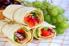 Sjalsmörgåsar med druvor Fotografering för Bildbyråer
