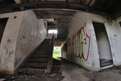 Sjaskig trappa Arkivfoto