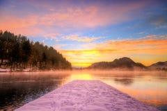 Sjön blödde i vintern, Slovenien, Europa Royaltyfri Foto